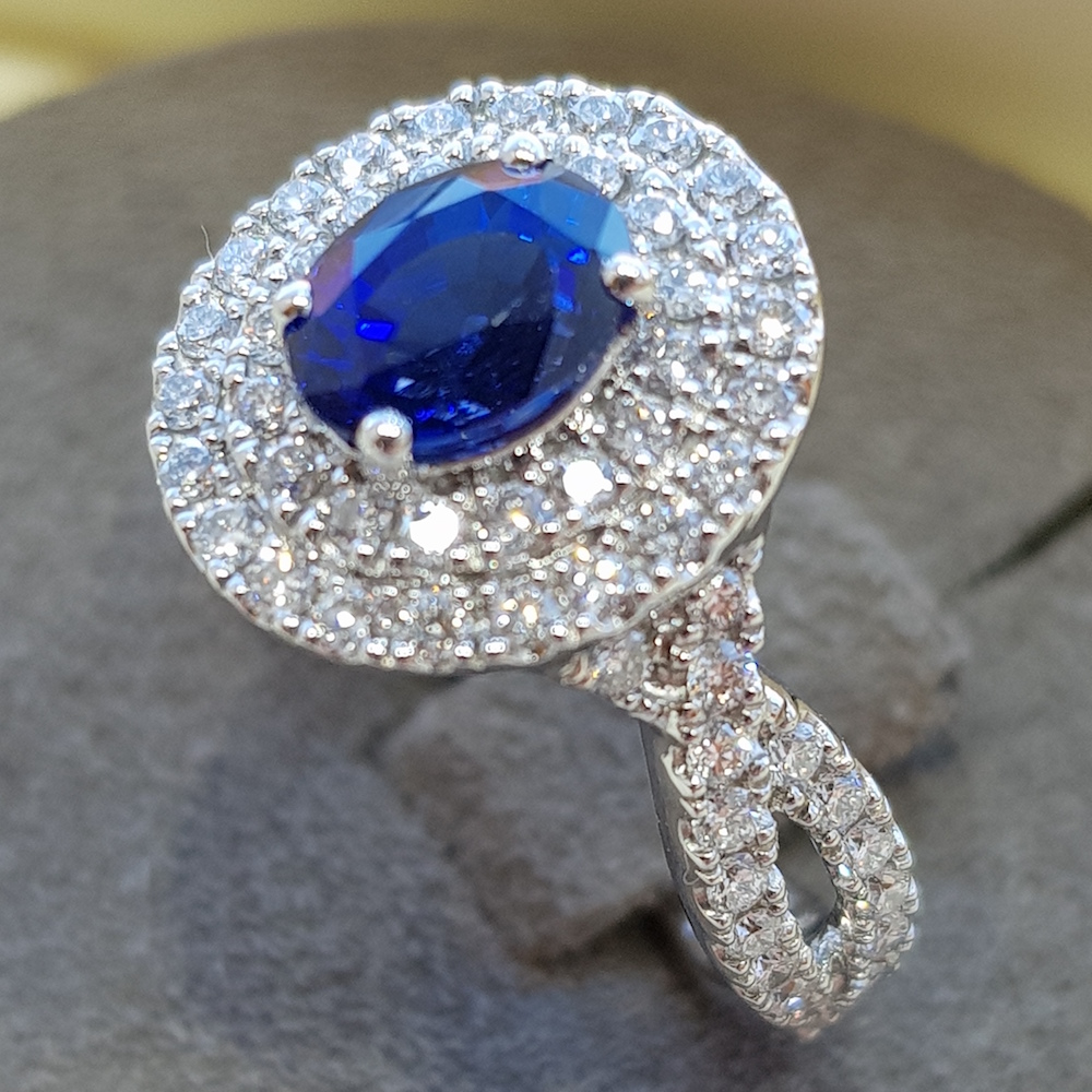 Sapphire diamond platinum ring, twisted ring design